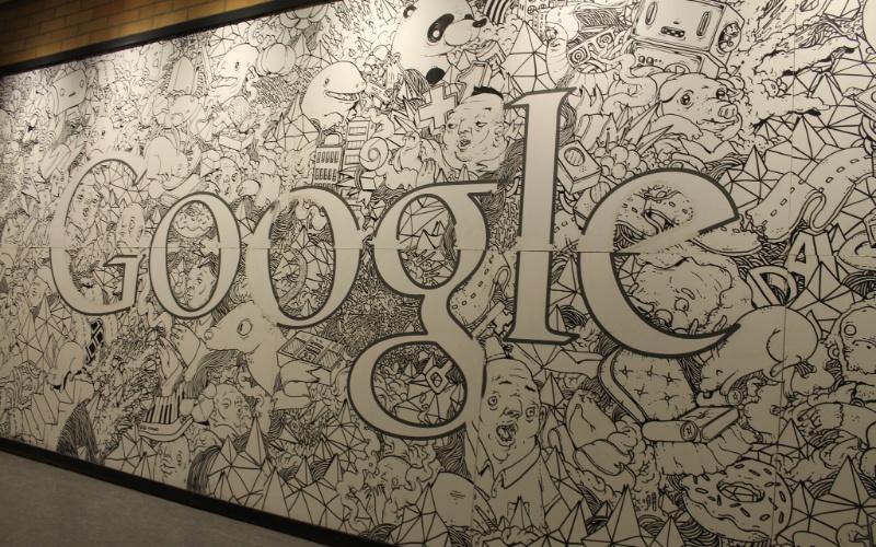 O Google abriu as portas de sua nova sede em São Paulo na noite desta terça-feira (15), em um evento para jornalistas. Localizado em um dos mais caros de São Paulo, o escritório do Google ocupa três dos 21 andares do prédio comercial -- 300 funcionários da empresa de internet trabalharão no local. Nas instalações da companhia, há videogames, sala de massagem, restaurantes e mesa de sinuca; veja