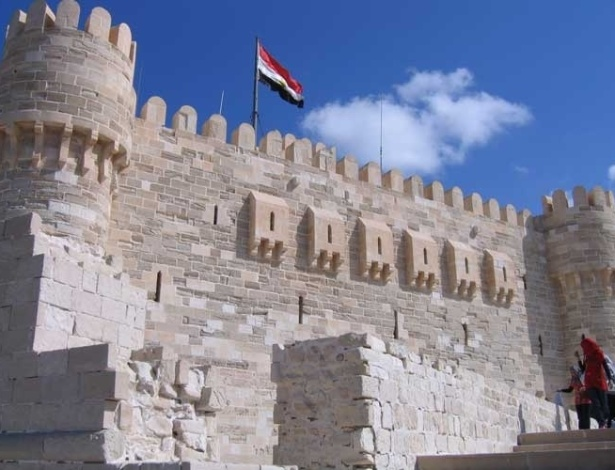 Vista externa da Fortaleza de Qaitbay, em Alexandria, no Egito