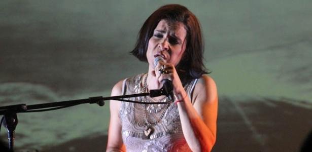 """16.jan.2013 - Marina Lima no show """"Maneira de Ser"""" no Imperator, no Rio - Divulgação/deu Zebraa"""