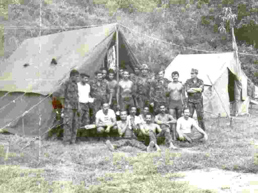 Em 1978, o então Nucoe (Núcleo de Companhia de Operações Especiais), que se posteriormente viria a ser o Bope, funcionava em um acampamento nas dependências do CFAP (Centro de Formação de Praças), em Sulacap, na zona norte do Rio. Eram apenas 12 barracas para cerca de 30 policiais. - Divulgação/Bope