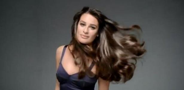 """Uma das embaixadoras da marca desde o ano passado, Lea Michele aparece em comercial da L""""Oréal Paris - Reprodução/Youtube"""