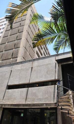 18.jan.2013 - A famosa boate Sonique, localizada na rua Bela Cintra, na região central de São Paulo (SP), deixou de funcionar nesta sexta-feira (18). Segundo o proprietário, o local vai dar lugar a um empreendimento imobiliário