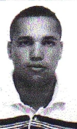 18.jan.2013 - Reprodução de imagem divulgada pela polícia mostra Elam dos Reis Santos, 22, suspeito de ter matado a tiros o sargento da PM Edson Luiz Camargo da Cunha, durante uma tentativa de roubo, no bairro de Moema, na zona sul de São Paulo, no dia 10 de janeiro