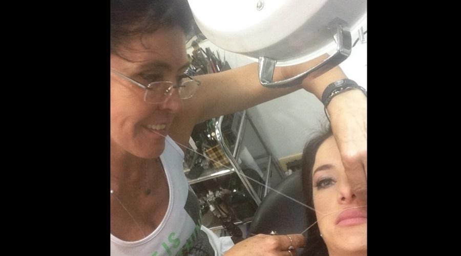 18.jan.2013 - Ticiane Pinheiro depilou o buço e divulgou a imagem por meio do Twitter.