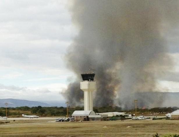 18.jan.2013 - Vista do aeroporto Ángel Albino Corzo, em Chiapa de Corzo (México), onde um avião caiu pouco depois de decolar. Ao todo, oito pessoas que estavam na aeronave morreram, entre elas três crianças
