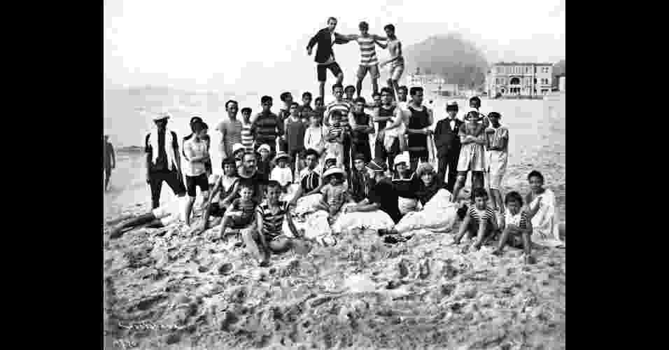 Banhistas na Praia de Copacabana em 1918 - Augusto Malta/Divulgação/Museu da Imagem e do Som