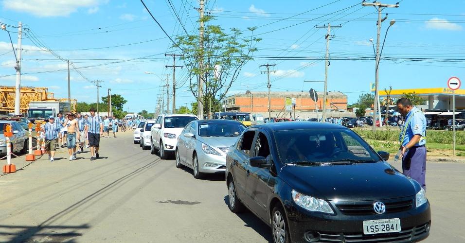 Congestionamento no entorno da Arena do Grêmio no dia da inauguração (08/12/2012)
