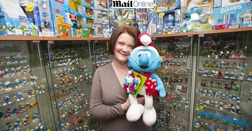 Fanática pelos Smurfs gasta R$ 65 mil em objetos para sua coleção