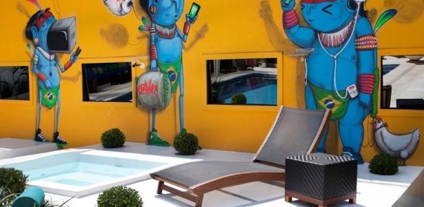 Grafite do artista paulistano Crânio na área externa da casa do BBB13 - Divulgação