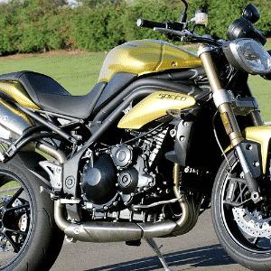 Triumph Speed Triple 1050i - Doni Castilho/Infomoto