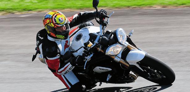 Triumph Speed Triple é ícone entre as motos naked de estilo agressivo - Doni Castilho/Infomoto