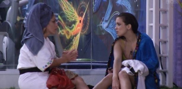 18.jan.2013 - Kamilla pediu para conversar com Anamara e confessou que se sente rejeitada pela casa