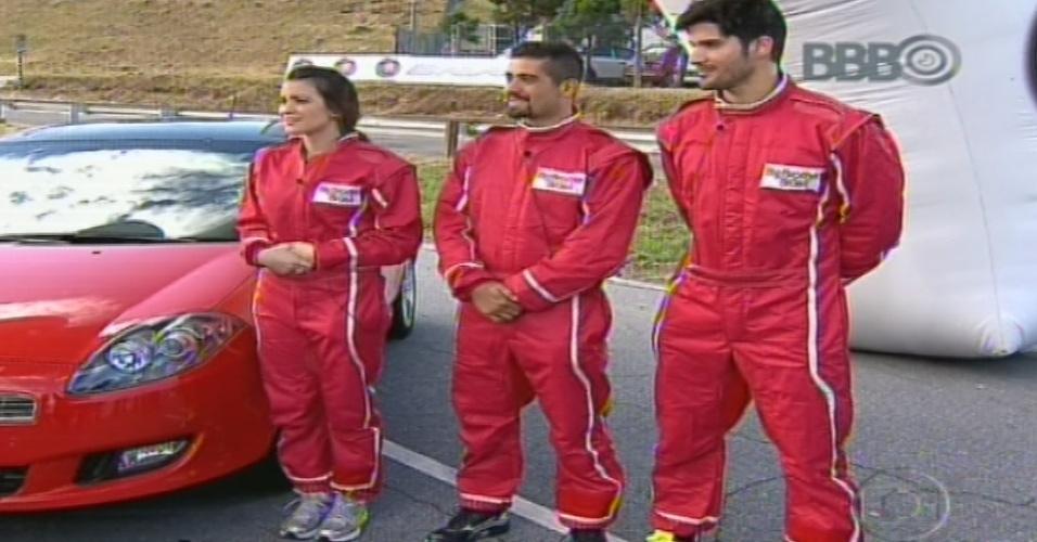 19.jan.2013 - Kamilla, Yuri e Marcello aguardam pelo início da prova do anjo, Cada um deveria responder perguntas dentro de um carro em alta velocidade