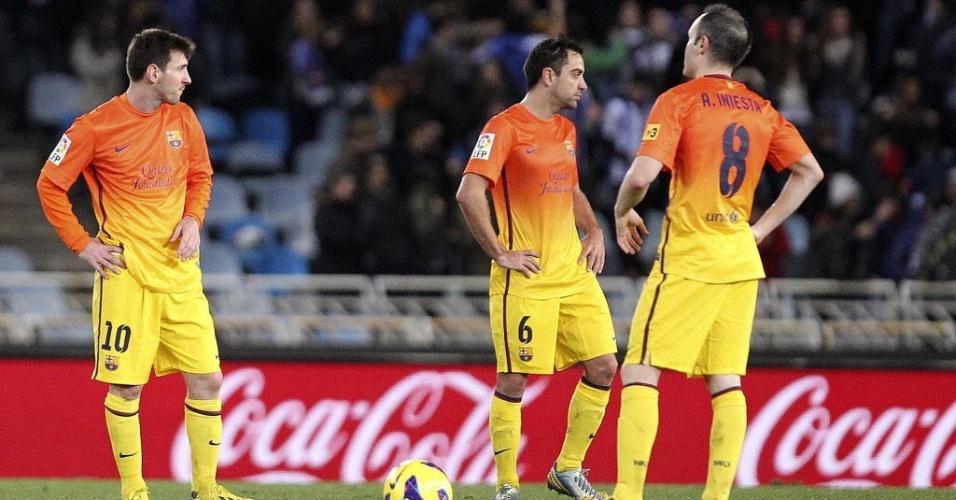 19jan2013 - Messi, Xavi e Iniesta em campo na derrota para a Real Sociedad