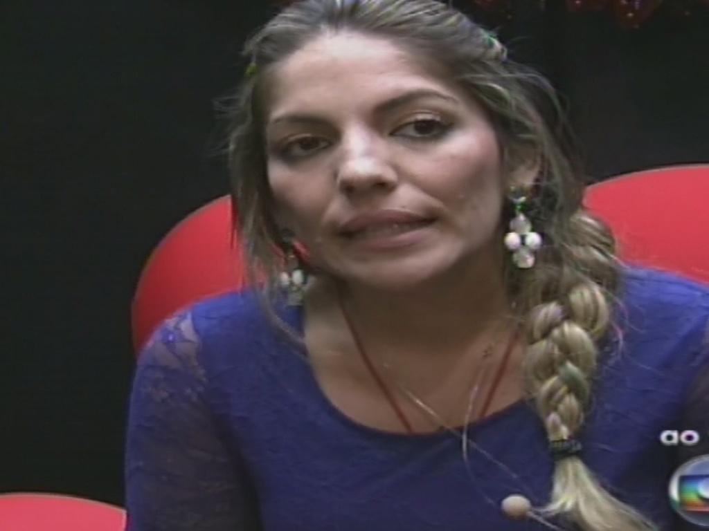 20.jan.2013 - Anamara vota em Nasser no segundo paredão do