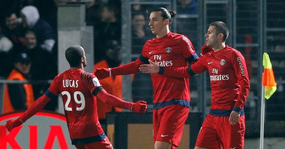 20jan2013 - Lucas deu assistência para o gol de Ibra na vitória do PSG