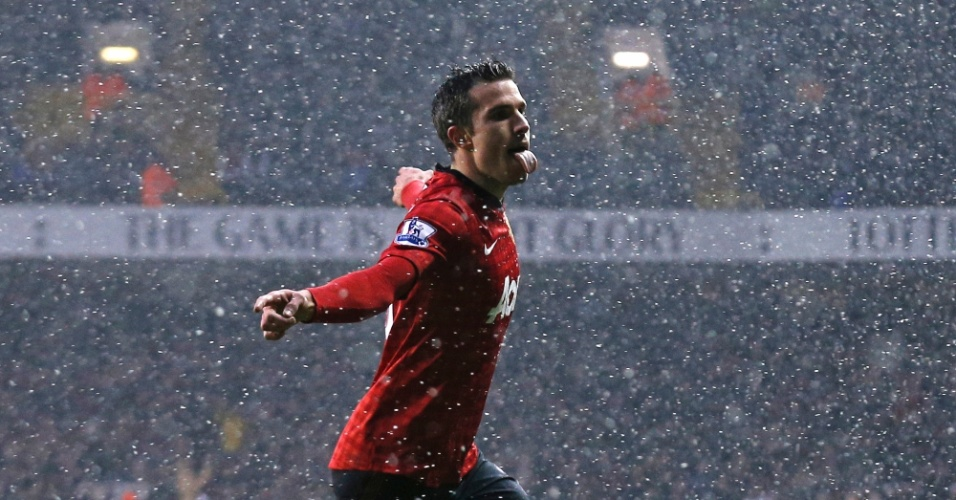 20jan2013 - Robin van Persie comemora gol do Manchester United contra o Tottenham