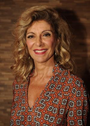 "Marília Pêra celebra 70 anos nesta terça. Ela está no elenco do seriado ""Pé na Cova"""