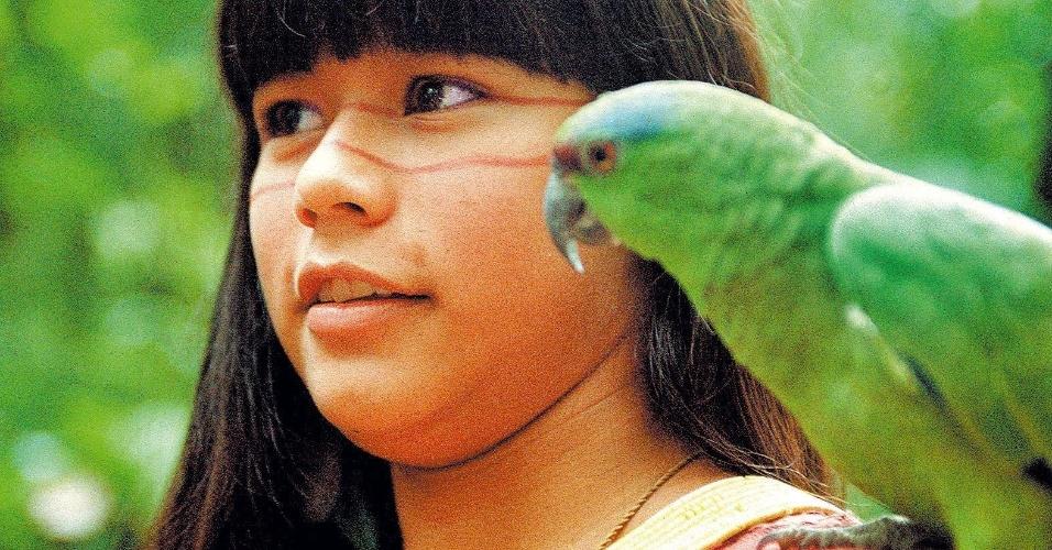 """A atriz Eunice Baía no filme """"Tainá - Uma Aventura na Amazônia"""", o primeiro da trilogia sobre a indiazinha, filmado em 1998. O longa foi dirigido por Tânia Lamarca e Sérgio Bloch"""