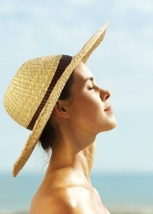 Faça as pazes com o sol sem prejudicar a saúde - Thinkstock
