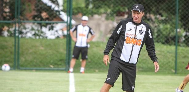 Técnico Cuca trabalhou com Josué no Goiás e o levou para o São Paulo