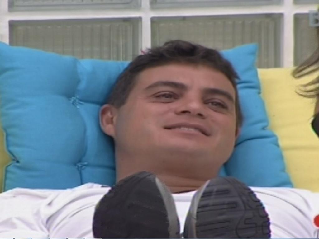 22.jan.2013 - Dhomini sorri quando Andressa diz que gostaria que ele ficasse no programa