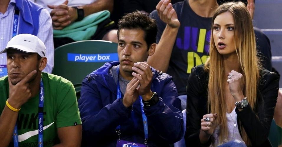 22.jan.2013 - Ester Satorova (d) celebra ponto de seu namorado Tomas Berdych durante partida pelas quartas de final do Aberto da Austrália