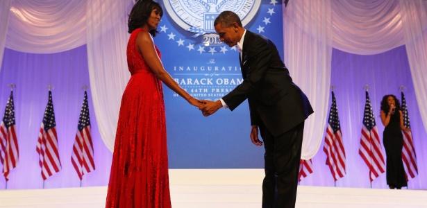 22.jan.2013 - O presidente dos Estados Unidos, Barack Obama, e a primeira-dama, Michelle Obama, dançam durante festa após cerimônia de posse no Centro de Convenções Walter E. Washington, em Washington (EUA) - Kevin Lamarque/Reuters