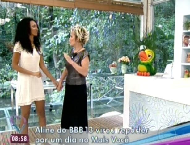 """22.jan.2013 - Primeira eliminada do """"BBB13"""", Aline virou repórter por um dia no """"Mais Você"""""""