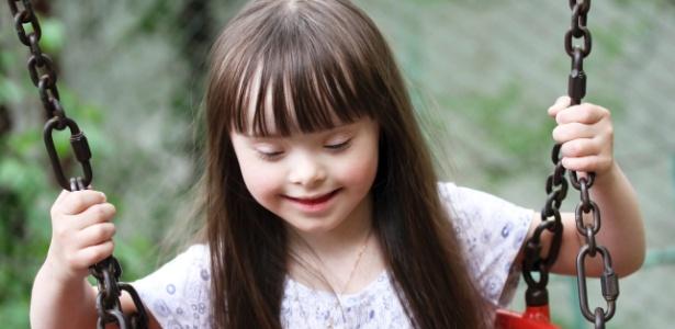 Crianças com qualquer tipo de deficiência têm o direito de frequentar uma escola regular ou comum - Thinkstock
