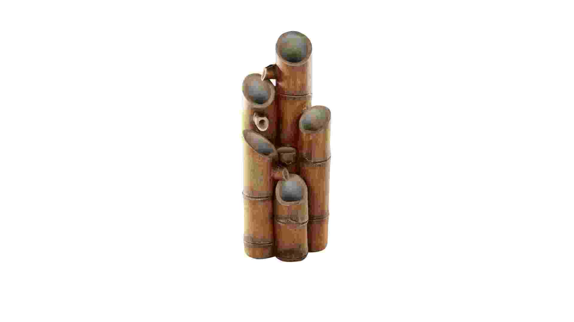 Em bambu, a fonte Makena é uma sugestão de fonte para ambientes internos. O modelo tem 34 cm de altura e acompanha bomba d?água. À venda na Etna   (www.etna.com.br) por R$ 119,90. Preços pesquisados em janeiro de 2013 e sujeitos a alterações - Divulgação