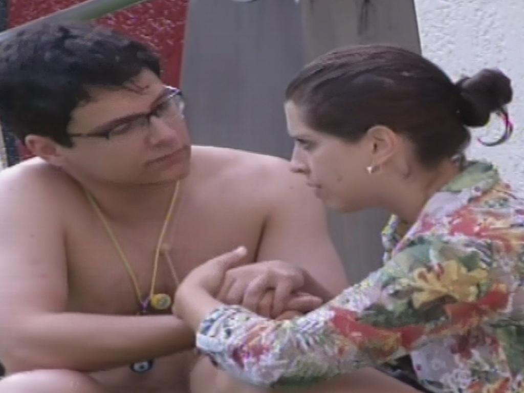 23.jan.2013 - Andressa diz a Ivan que gosta de Nasser