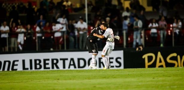 Goleiro e atacante podem se reencontrar como treinador e atacante por três meses - Leandro Moraes/UOL