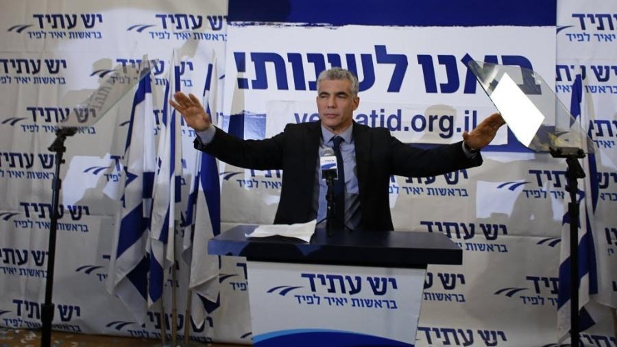 """Yair Lapid, líder do Partido Yash Atid (""""Há um futuro""""), quer formar um governo de união nacional para tirar o primeiro-ministro Netanyahu do poder - Ammar Awad/Reuters"""