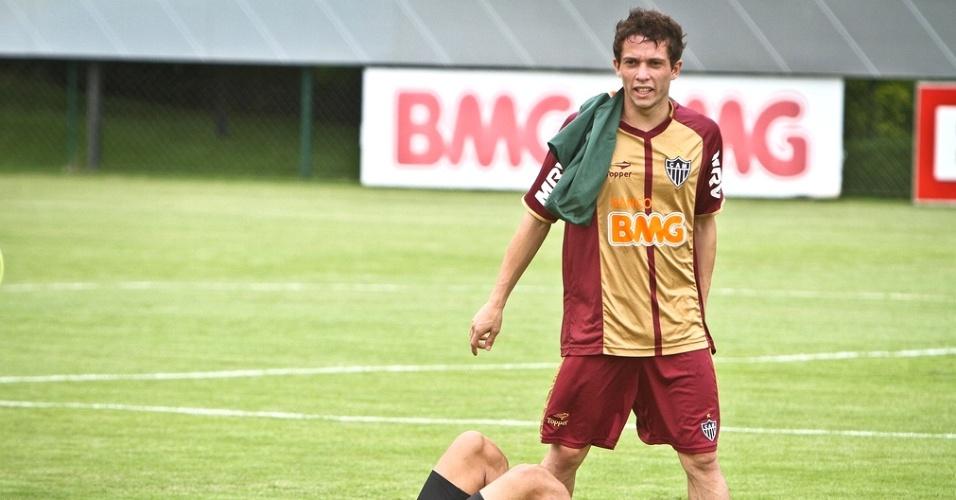 Bernard durante treino do Atlético-MG na Cidade do Galo (16/1/2013)