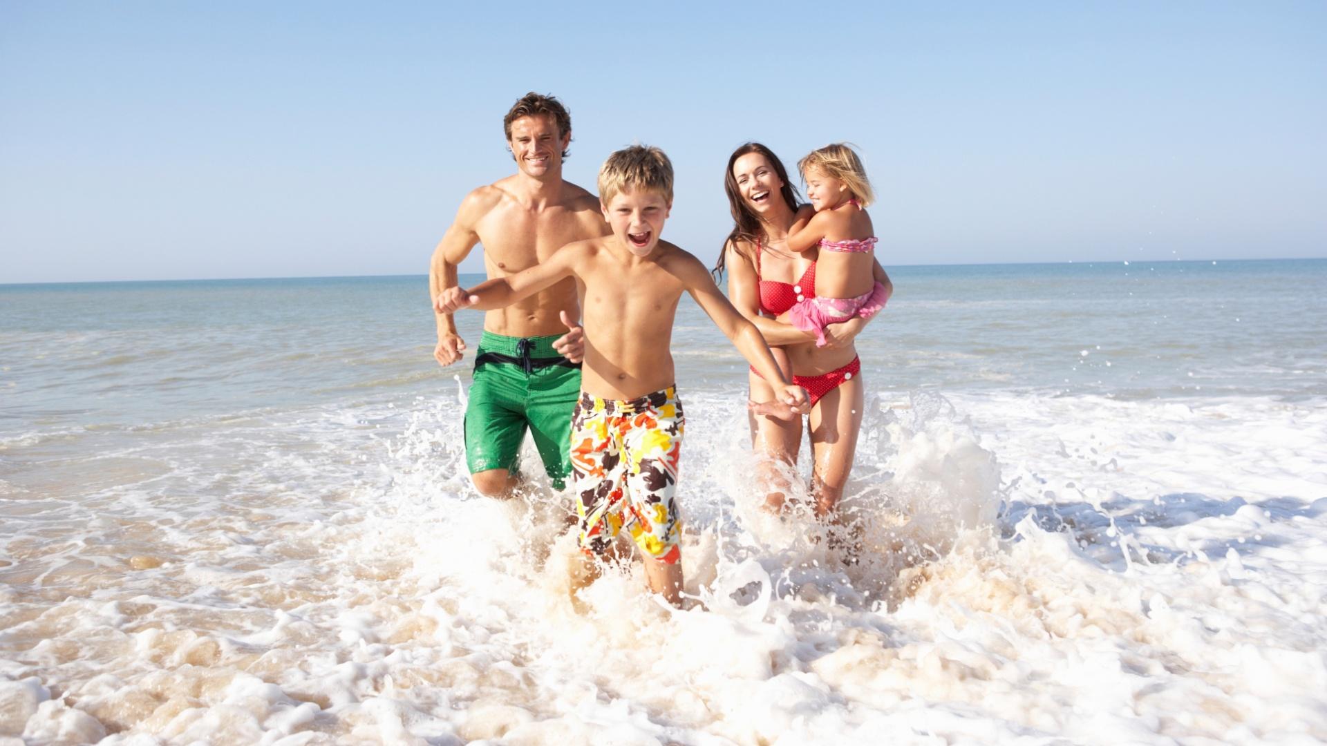81c7b2c73 Para curtir a praia com criança