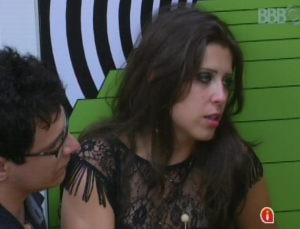 24.jan.2013 - Andressa bebe demais e perde boa parte da festa