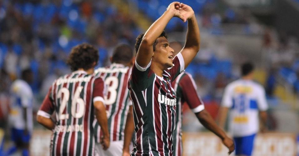 24.jan.2013 - Jean comemora o terceiro gol do Fluminense contra o Olaria