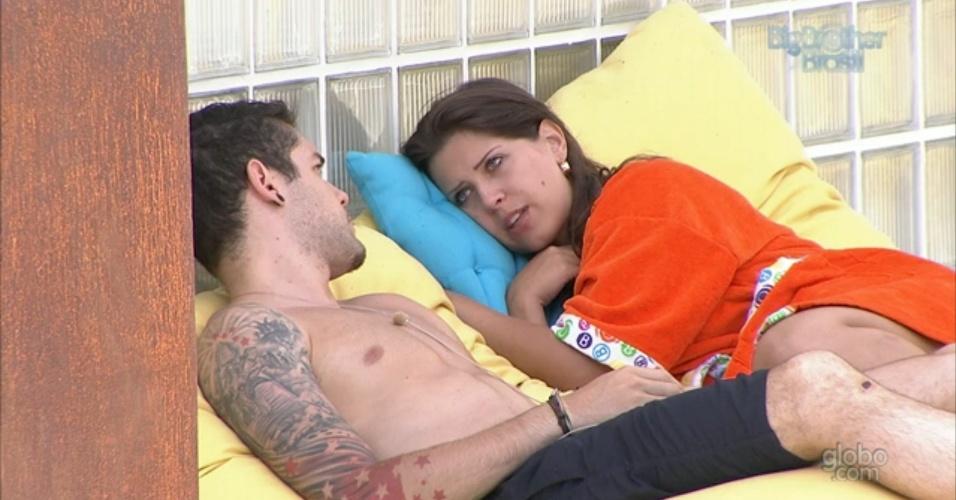 24.jan.2013 - Nasser chama Andressa de frouxa depois de a sister pedir desculpas por briga em festa