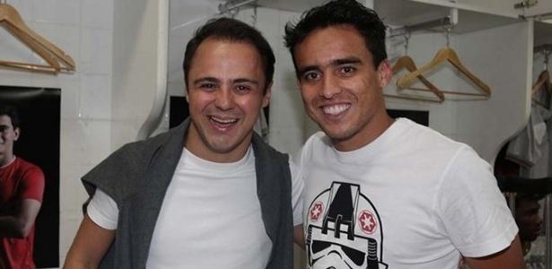 Felipe Massa, piloto da Fórmula 1, aproveitou para tietar jogadores do São Paulo