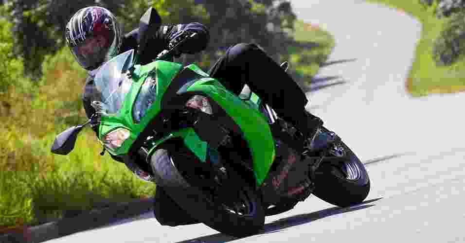 Kawasaki Ninja 300 - Doni Castilho/Infomoto