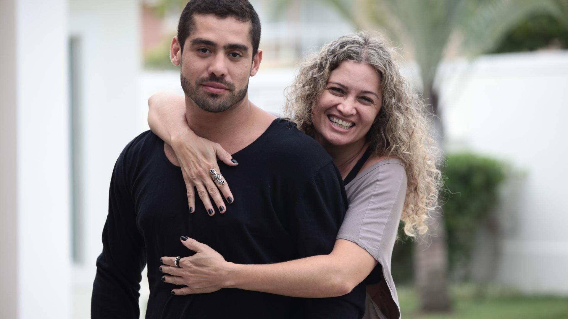 Yuri e a mãe, Claudia Fernandes