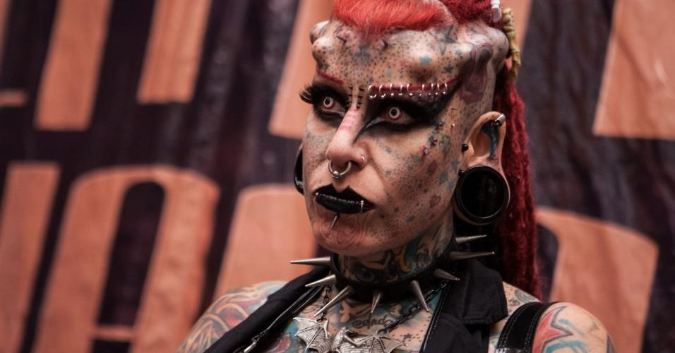"""25.jan.2013 - A mexicana María José Cristerna, conhecida como """"a mulher vampiro"""", participa da """"Expo Tatto Venezuela 2013"""" em Caracas, Venezuela, nesta sexta-feira"""