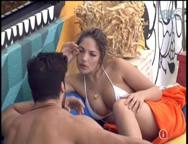 25.jan.2013 - Anamara e Marcello fazem uma discussão de convivência