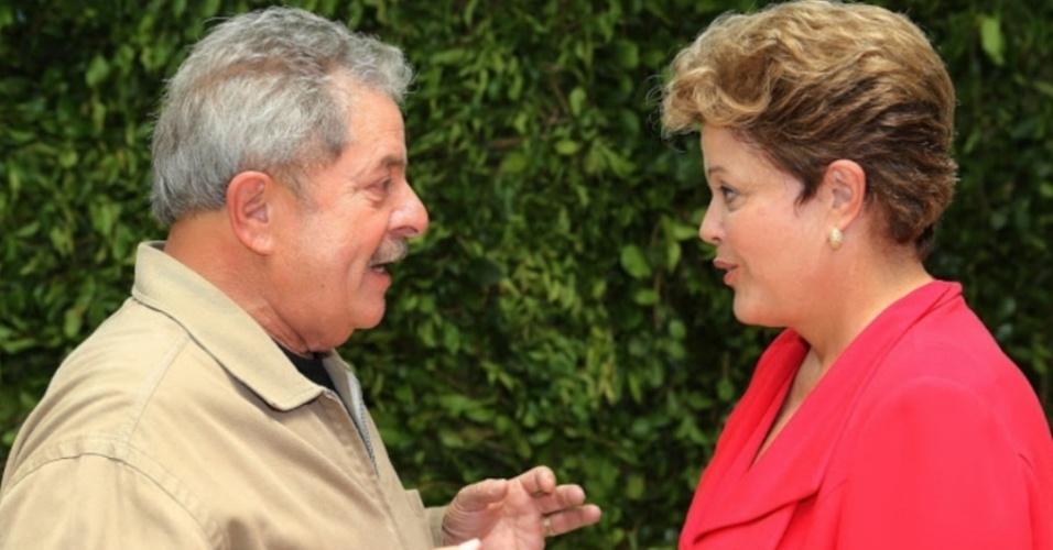25.jan.2013 - Em visita à cidade de São Paulo para anunciar uma série de parcerias na cidade nesta sexta-feira (25), a presidente Dilma Rousseff encontrou-se hoje com o seu padrinho político e antecessor Luiz Inácio Lula da Silva