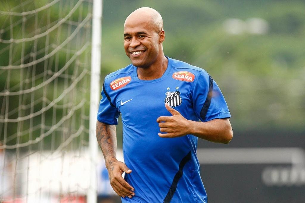 Além de Assunção, Santos conta com Neymar e Montillo para cobranças de falta