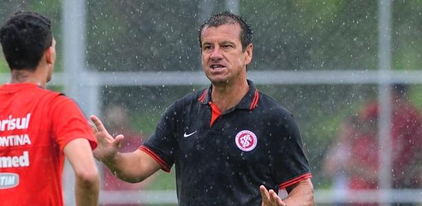 Apenas Agenor e Zé Mário do Inter sub-23 ganharam números no time de Dunga (d)