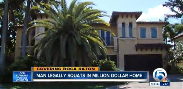 Fachada da casa em Boca Raton, na Flórida, avaliada em mais de US$ 2 milhões
