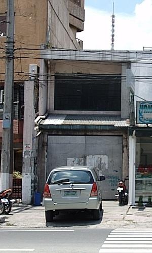 18 de março de 1996 - Ozone Disco Club (Filipinas): Segundo estimativas, havia cerca de 350 pessoas e 40 empregados dentro de um local com capacidade para 35 convidados. A maioria dos presentes era de estudantes. O episódio em Quezon City foi considerado o incidente mais fatal das Filipinas, matando 160 pessoas