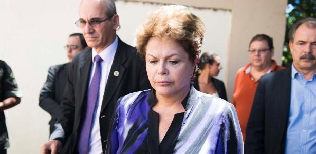 A presidenta Dilma Rousseff chega ao Centro Desportivo Municipal (CDM), em Santa Maria (RS) - Tarlis Schneider/ Estadão